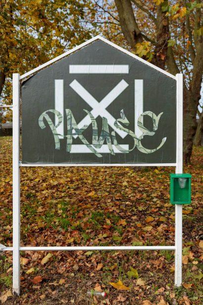 'Pause' at Reeves corner
