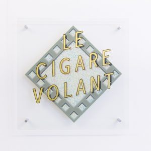 Bella Pace Le Cigare Volant, 2015 23kt Gold and enamel on glass 65 x 65 cm  Photo: Tim Bowditch